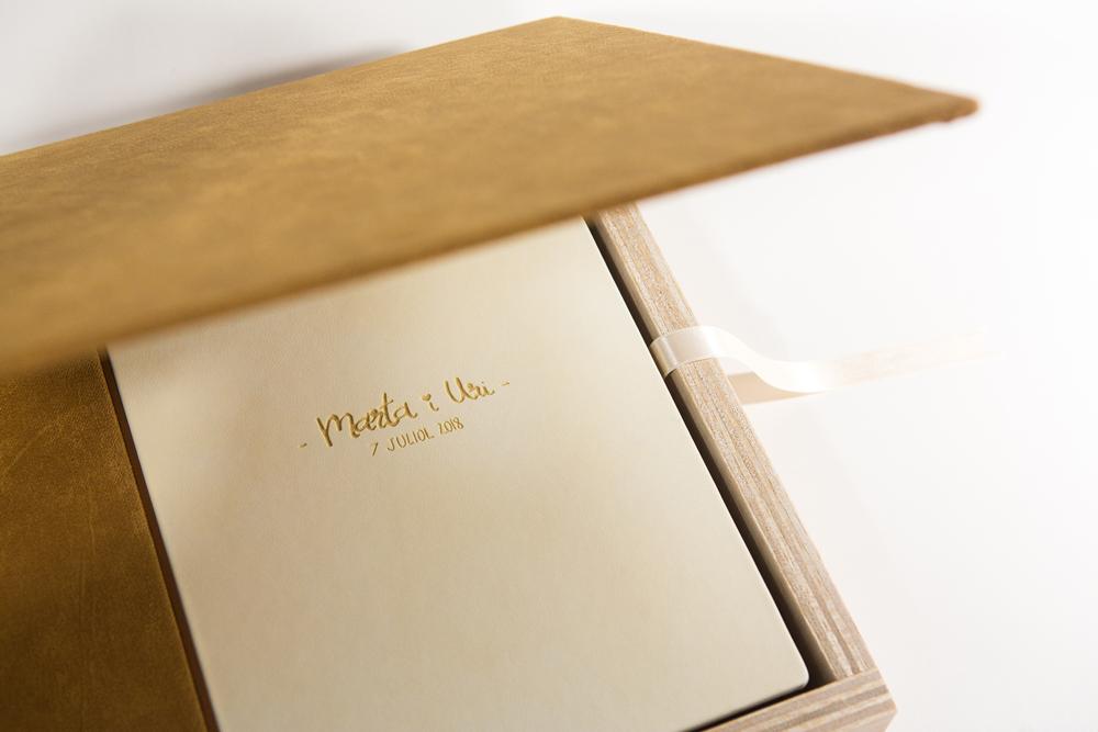 Álbum de bodas artesano fotógrafo Barcelona